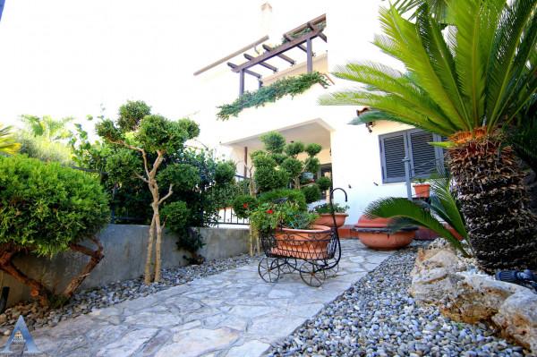 Villa in vendita a Taranto, Talsano, Con giardino, 180 mq