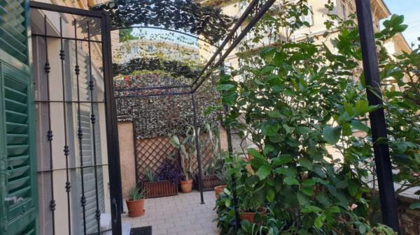 Appartamento in vendita a Genova, Adiacenze Via Fiasella, Arredato, 72 mq