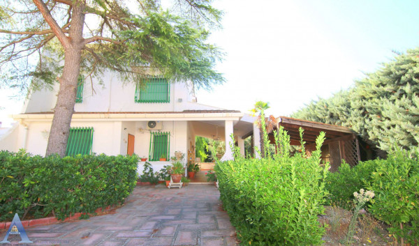 Villa in vendita a Taranto, Lama, Con giardino, 188 mq