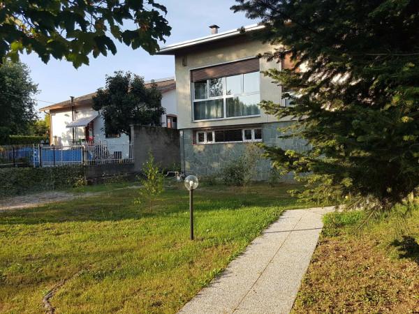 Villa in affitto a Gallarate, Madonna In Campagna, Con giardino, 283 mq