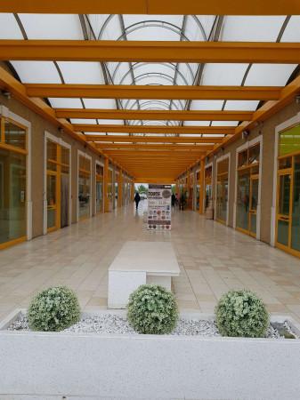 Negozio in affitto a Sant'Angelo Lodigiano, Commerciale, 200 mq - Foto 1