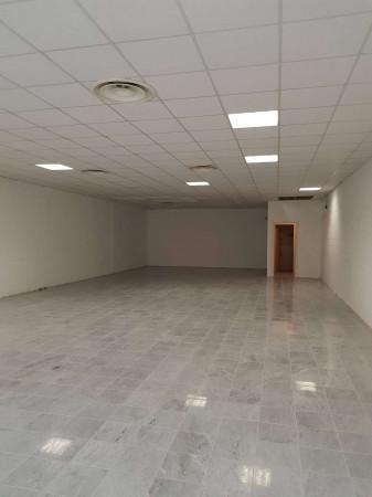 Negozio in affitto a Sant'Angelo Lodigiano, Commerciale, 200 mq - Foto 14