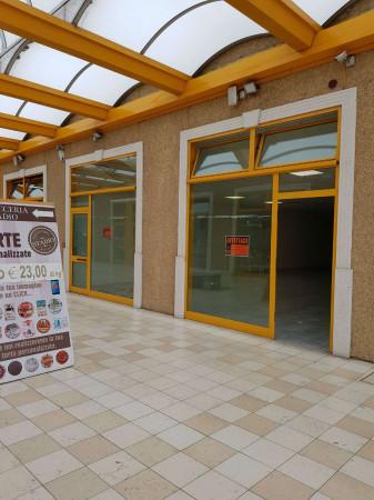 Negozio in affitto a Sant'Angelo Lodigiano, Commerciale, 200 mq - Foto 9