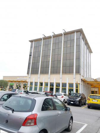 Negozio in affitto a Sant'Angelo Lodigiano, Commerciale, 200 mq - Foto 3
