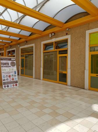 Negozio in affitto a Sant'Angelo Lodigiano, Commerciale, 200 mq - Foto 10