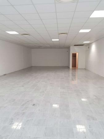 Negozio in affitto a Sant'Angelo Lodigiano, Commerciale, 200 mq - Foto 24