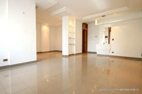 Appartamento in vendita a Taranto, Residenziale, 124 mq
