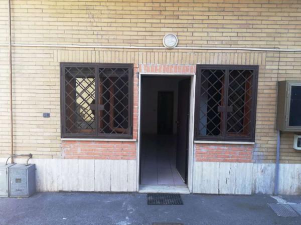 Appartamento in vendita a Roma, Palmarola, 50 mq