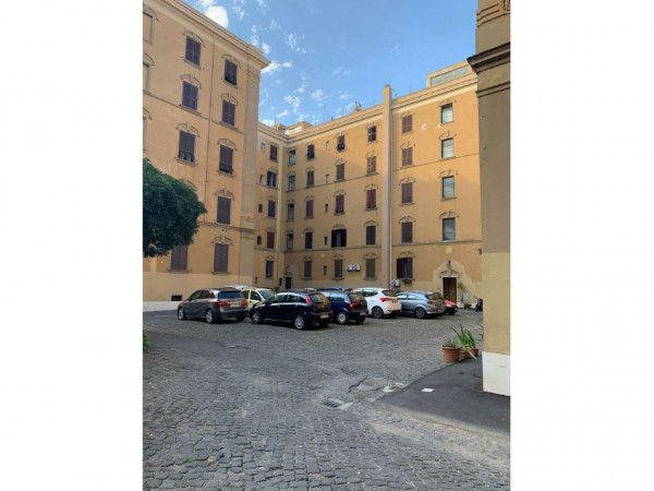 Appartamento in vendita a Roma, Esquilino San Lorenzo, 70 mq
