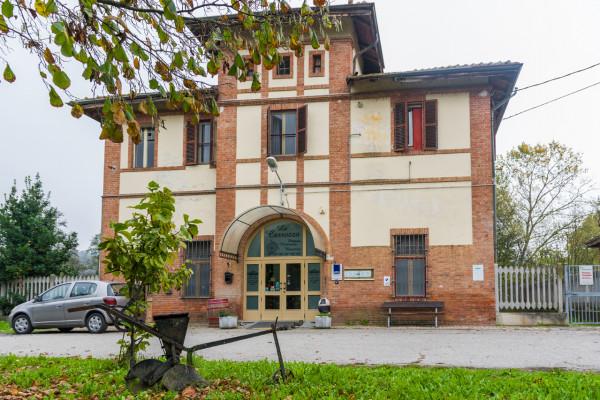 Cessione di locale commerciale  a Asti, Serravalle, 90 mq