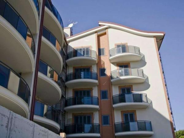 Appartamento in vendita a Roma, Axa, Arredato, con giardino, 118 mq - Foto 1