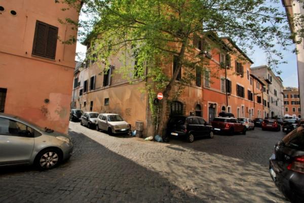 Appartamento in vendita a Roma, Trastevere, 90 mq