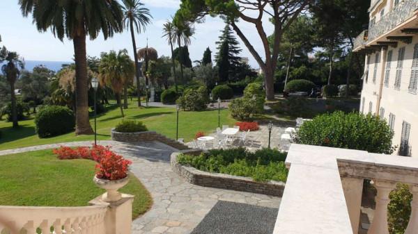 Appartamento in vendita a Genova, Adiacenze Parchi Di Nervi E Passeggiata A Mare, Arredato, con giardino, 86 mq