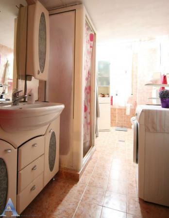 Appartamento in vendita a Taranto, Rione Italia, Montegranaro, 111 mq - Foto 10
