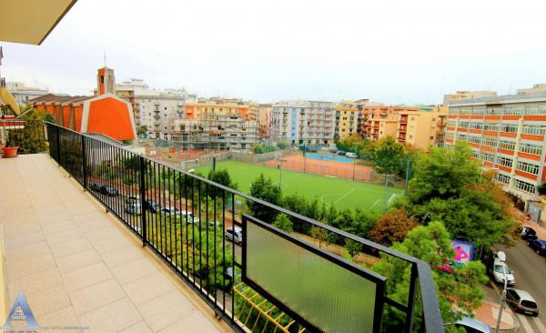 Appartamento in vendita a Taranto, Rione Italia, Montegranaro, 111 mq