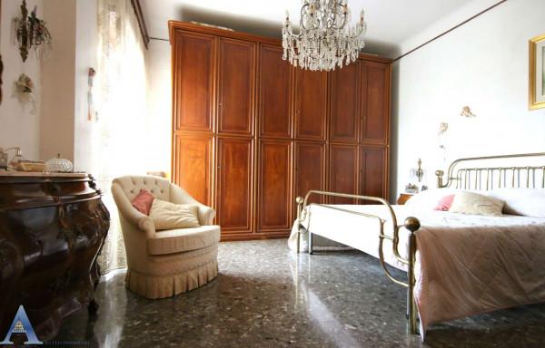 Appartamento in vendita a Taranto, Rione Italia, Montegranaro, 111 mq - Foto 12