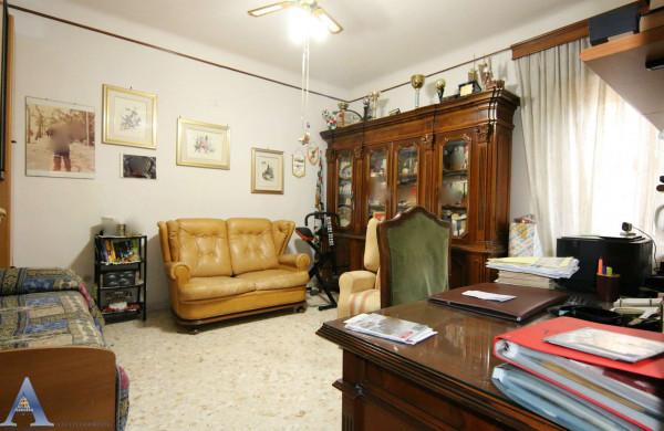 Appartamento in vendita a Taranto, Rione Italia, Montegranaro, 111 mq - Foto 7
