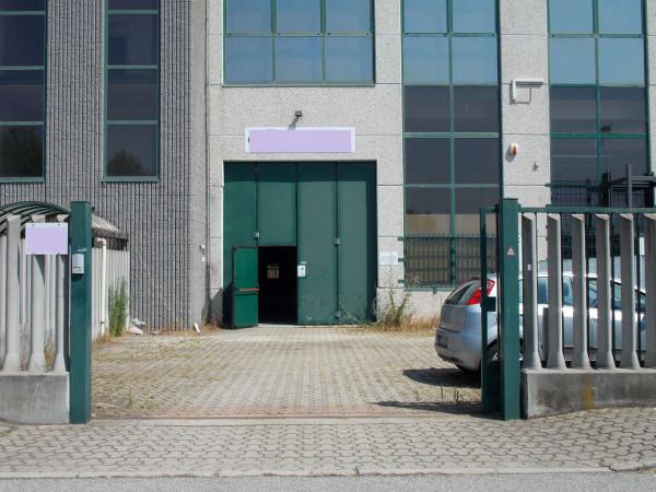 Capannone in affitto a Assago, Con giardino, 400 mq