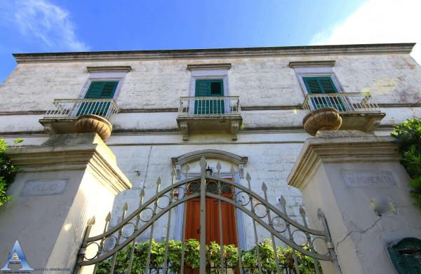 Rustico/Casale in vendita a Taranto, Residenziale, Con giardino, 340 mq