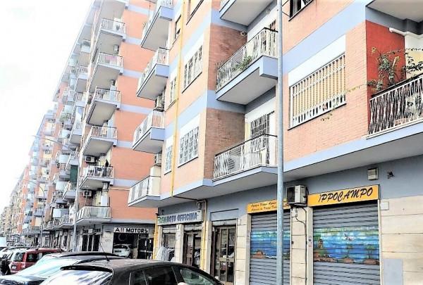 Locale Commerciale  in vendita a Roma, Centocelle, 50 mq