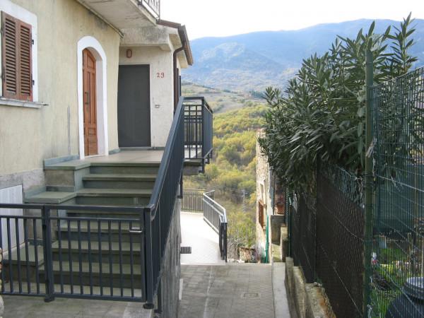 Villetta a schiera in vendita a Bolognano, Musellaro, Con giardino, 114 mq