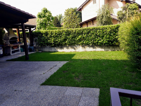 Villa in vendita a Robassomero, Centro, Con giardino, 220 mq