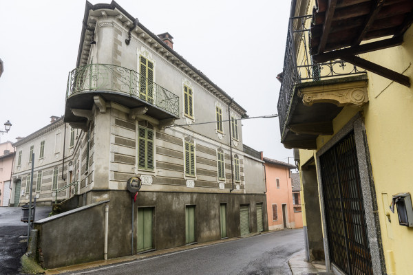 Casa indipendente in vendita a Montemagno, Centro Storico, Con giardino, 550 mq
