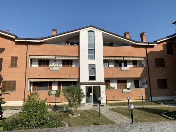 Appartamento in vendita a Caronno Pertusella, Bariola, Arredato, con giardino, 55 mq
