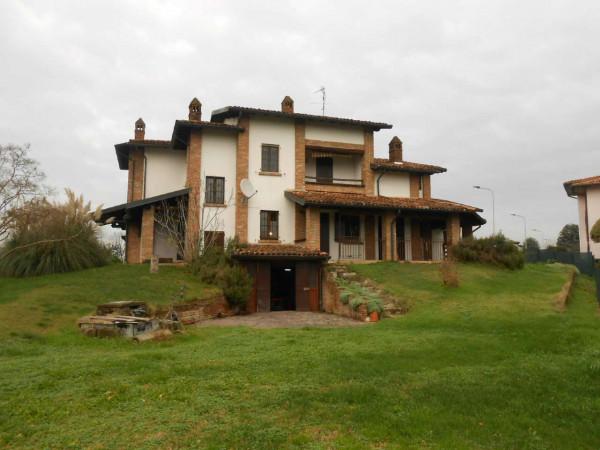 Villa in vendita a Misano di Gera d'Adda, Residenziale, Con giardino, 640 mq