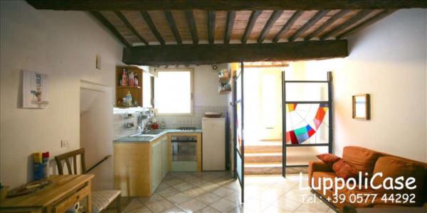 Appartamento in vendita a Siena, Con giardino, 95 mq