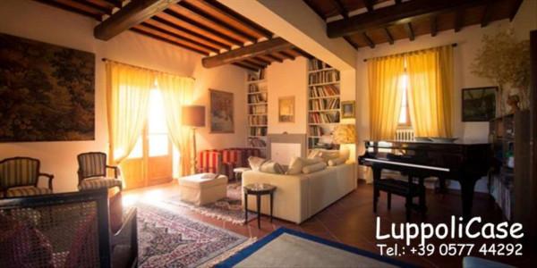 Villa in vendita a Castelnuovo Berardenga, Arredato, con giardino, 500 mq