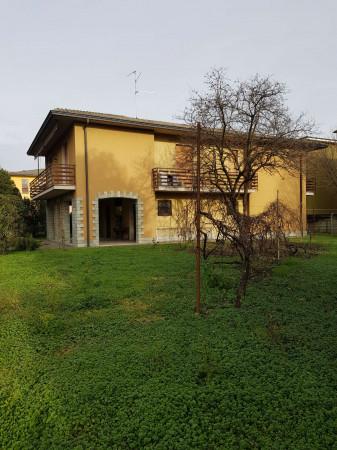 Villa in vendita a Spino d'Adda, Residenziale, Con giardino, 329 mq