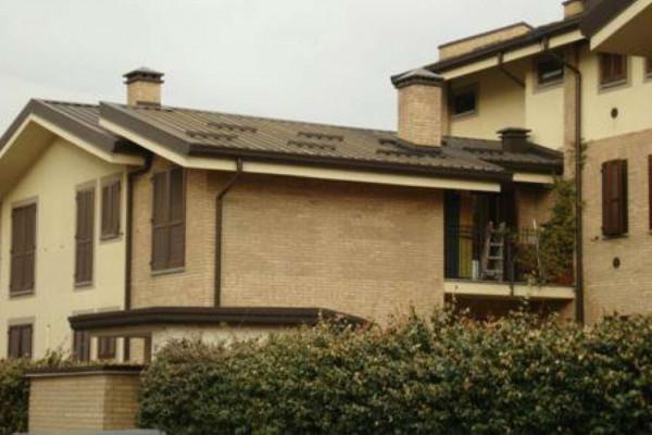 Appartamento in vendita a Caronno Pertusella, 80 mq - Foto 1