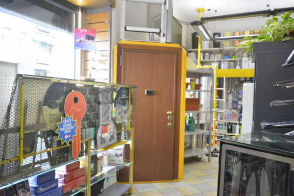 Negozio in vendita a Milano, Loreto, 130 mq - Foto 9