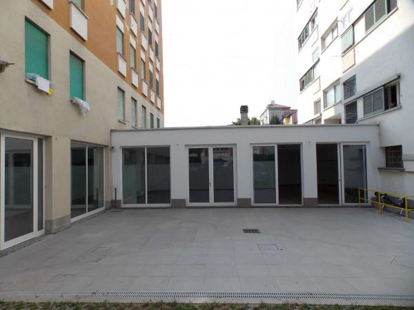 Locale Commerciale  in vendita a Milano, Via Montegani, Con giardino, 450 mq - Foto 14