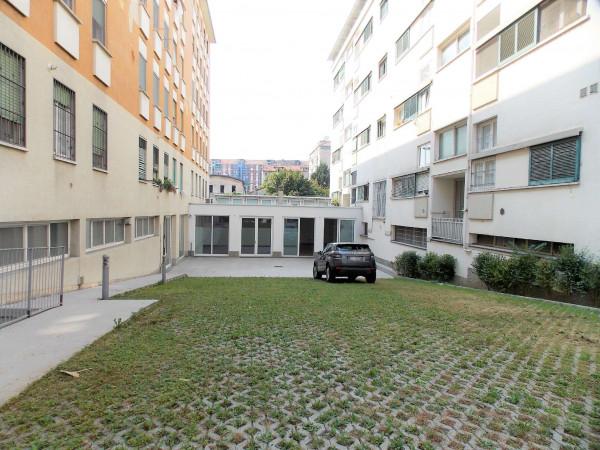 Locale Commerciale  in vendita a Milano, Via Montegani, Con giardino, 450 mq - Foto 18