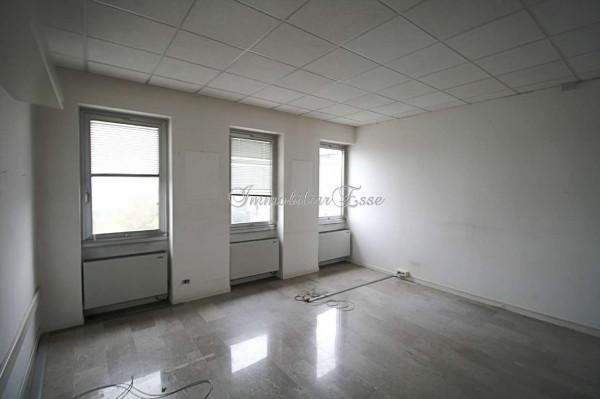 Appartamento in vendita a Milano, Romolo, Con giardino, 155 mq