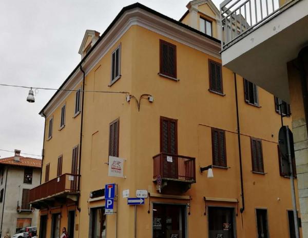 Appartamento in vendita a Ciriè, Centro Storico, 230 mq
