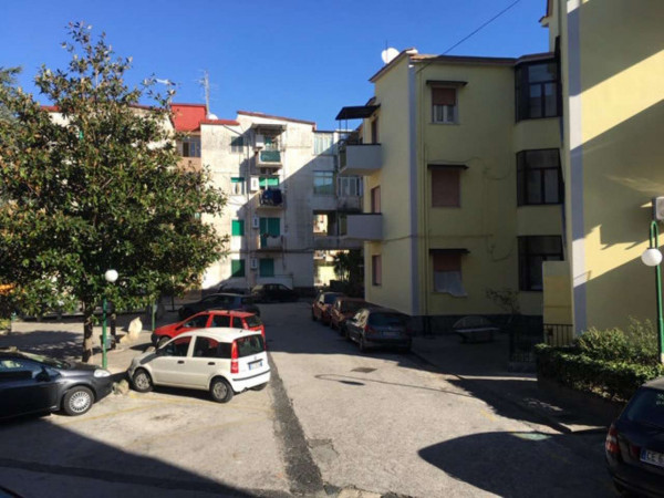 Appartamento in vendita a Sant'Anastasia, Centrale, Con giardino, 85 mq