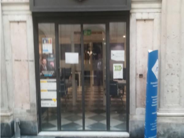 Locale Commerciale  in vendita a Genova, Galleria Mazzini, 40 mq