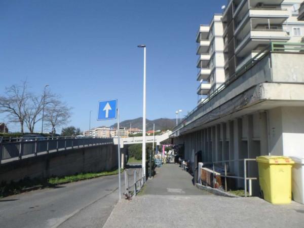 Locale Commerciale  in vendita a Lavagna, Cenrto, 400 mq - Foto 2
