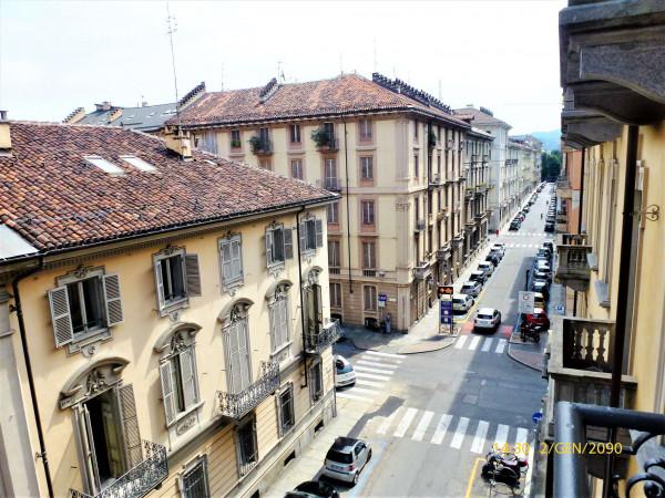 Appartamento in vendita a Torino, 95 mq