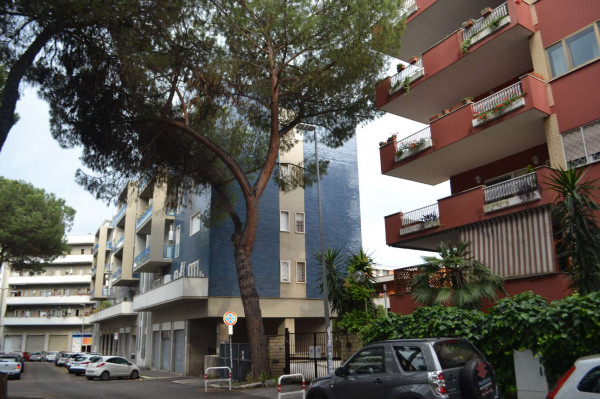 Appartamento in affitto a Roma, Mostacciano, 110 mq
