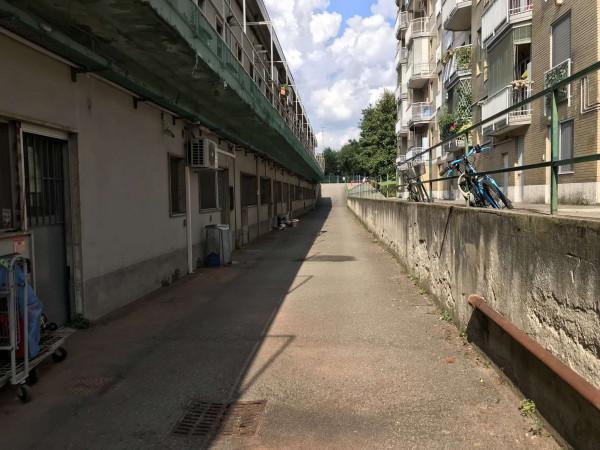 Negozio in vendita a Milano, Famagosta, 160 mq - Foto 2