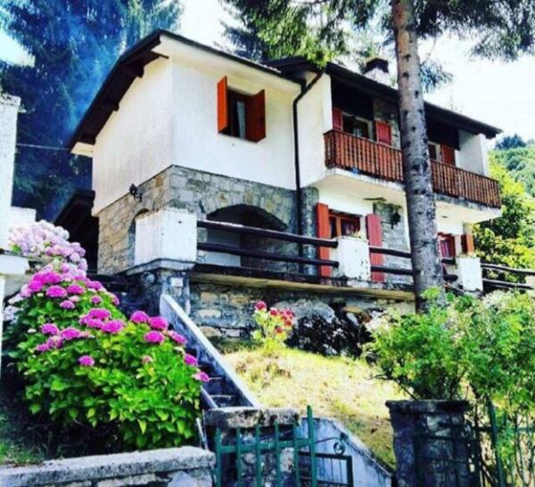 Villa in vendita a Santo Stefano d'Aveto, Villaggio Al Pino, Con giardino, 130 mq