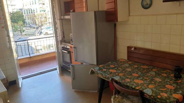 Appartamento in vendita a Genova, Adiacenze Via Lagustena, 110 mq