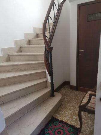 Appartamento in vendita a Trescore Cremasco, Centro, Con giardino, 265 mq
