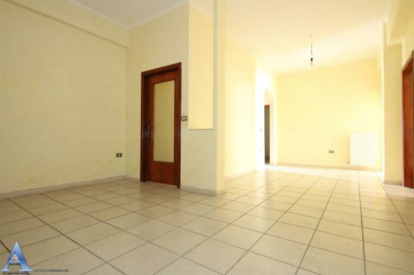 Appartamento in vendita a Taranto, Rione Italia, Montegranaro, 118 mq - Foto 4