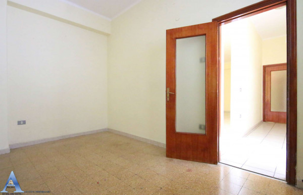 Appartamento in vendita a Taranto, Rione Italia, Montegranaro, 118 mq - Foto 5
