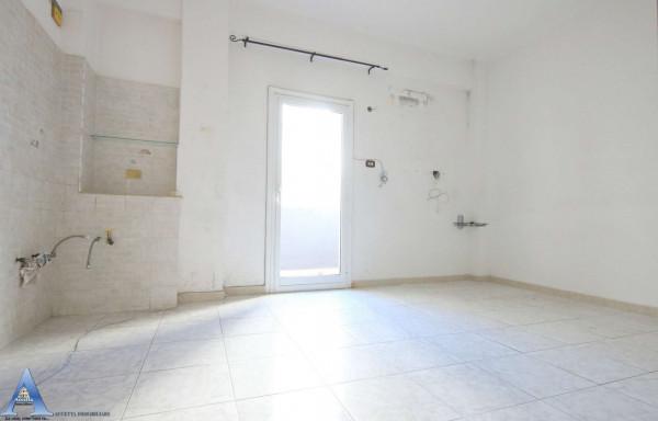 Appartamento in vendita a Taranto, Rione Italia, Montegranaro, 118 mq - Foto 13